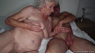 Grandma sucks a stiff bushwa and gets pounded on