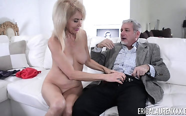 Experienced blonde Erica Lauren wants to seduce a matured hunk