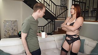 Blowjob expert nurturer Edyn Blair gives the exhausted again blowjob to say no to stepson