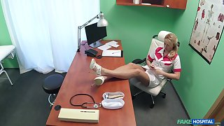 Spy cam in the doctor's assignment records X nurse having sex