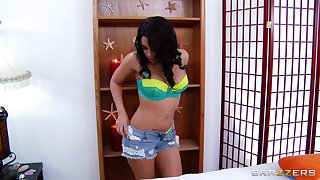 Balls deep frowardness and pussy shacking up with a large dick - Luna Star