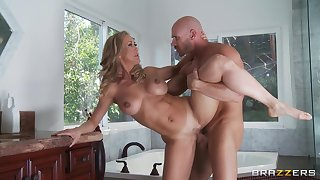 Smooth dealings in the bedroom with wed Brandi Adulate in high heels