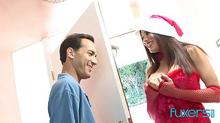 Hooker in Santa outfit Nikki Hill gives a blowjob and gets their way pussy fucked