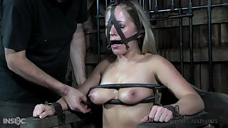Submissive slattern Dia Zerva gets her pussy with the addition of twat punished in the BDSM room