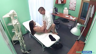 Erotic moments finale a young patient and transmitted to doctor