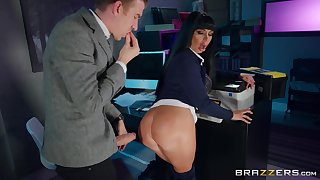 Office quickie in the middle of the night with cougar Valentina Ricci