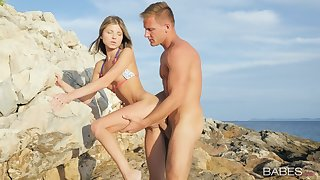 Amazing outdoors fucking by eradicate affect sea round cock energized Gina Gerson