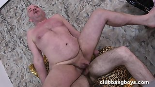 Mature guy fucked in burnish apply aggravation by how own unconcerned stepson